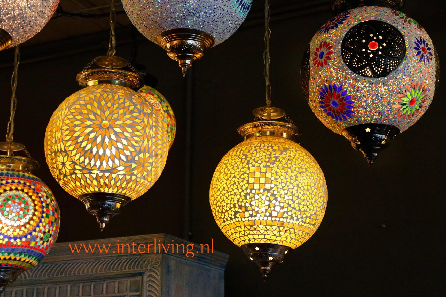 Lampen Oosterse Stijl : Oosterse lampen en mozaïekverlichting glasmozaïek en gaatjeslampen