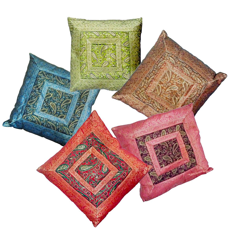 Indiaas patchwork kleurrijke woonaccessoires kelim en sari stoffen - Kussen oranje en bruin ...