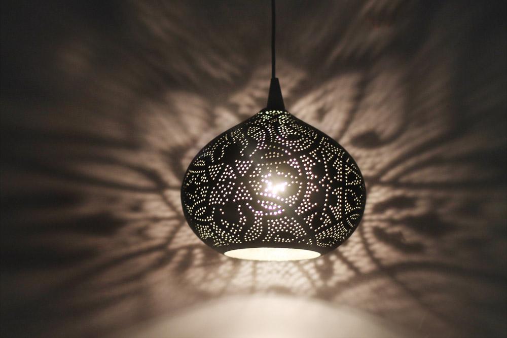 filigrain lampen open hanglampen matzwart goud en zilver binnenkant. Black Bedroom Furniture Sets. Home Design Ideas