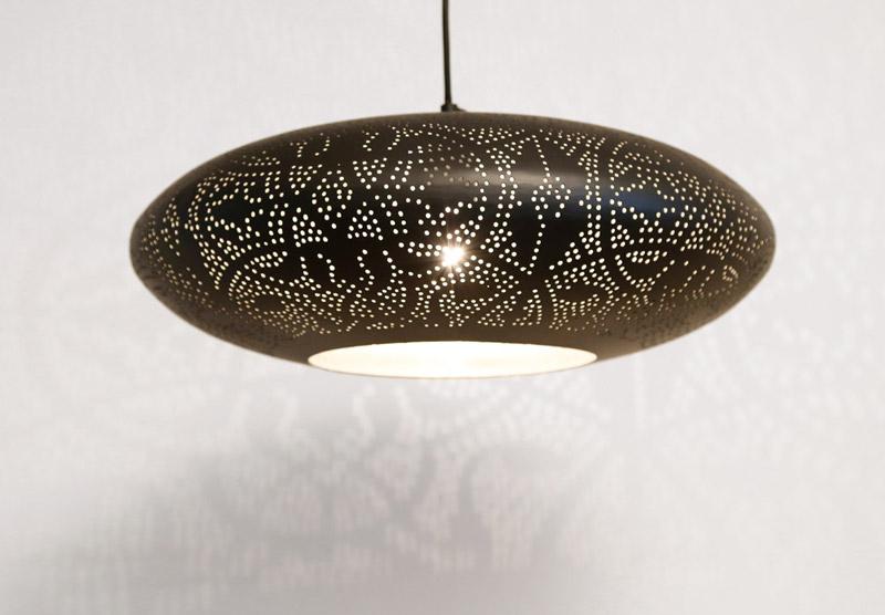 Slaapkamer Oosterse Sfeer : Filigrain, open hanglamp of gaatjeslamp in ...