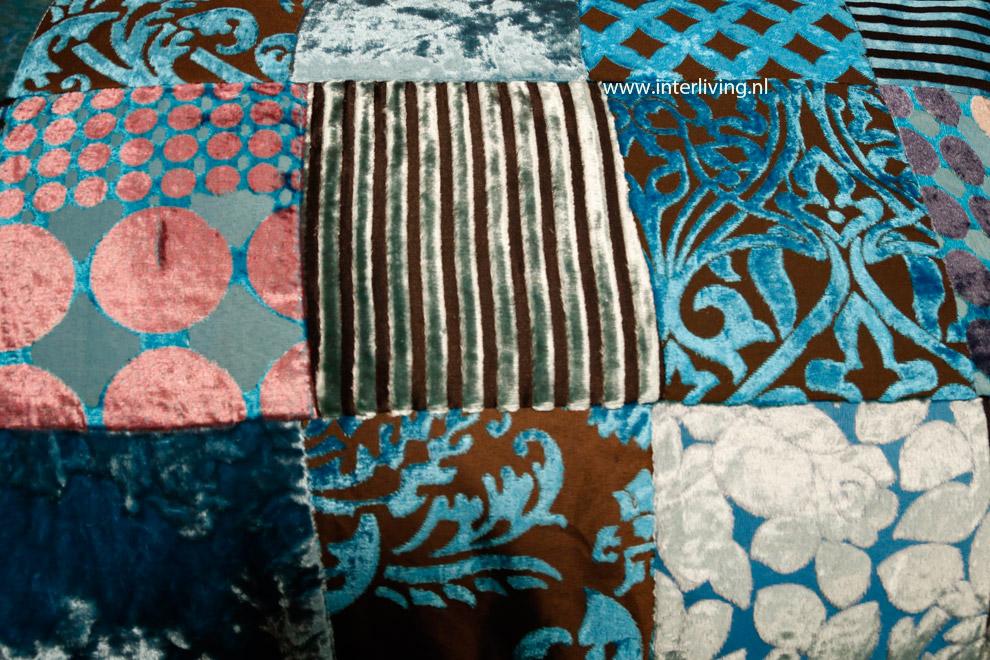 Glanzend blauw fluweel patchwork kussen hemelsblauw kobaltblauw indigo