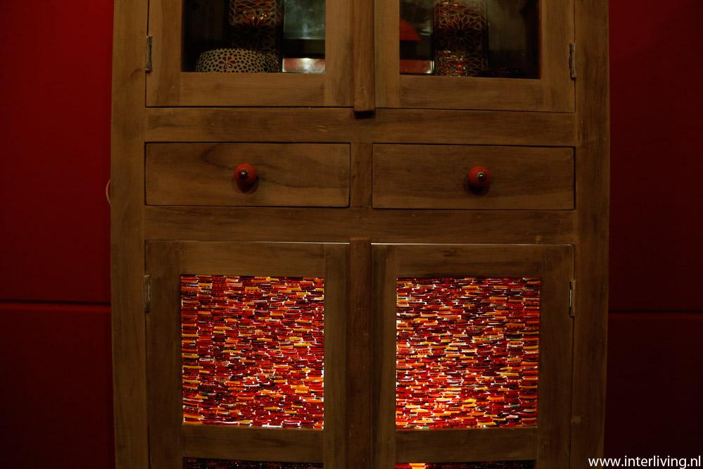 Led Verlichting Kast : Vintage india meubelen met led sfeerverlichting verlicht je kast