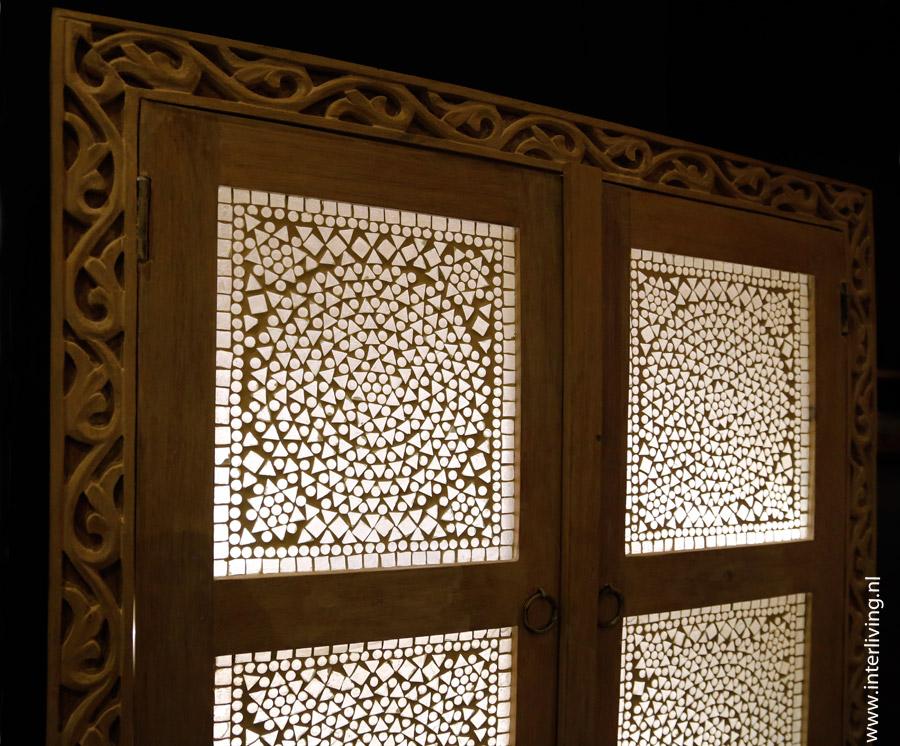 vintage India meubelen met LED sfeerverlichting - verlicht je kast