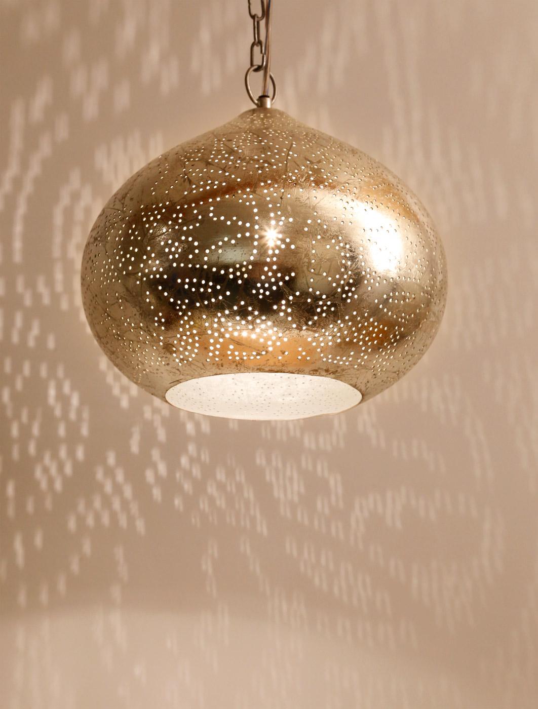 Oosterse pompoen hanglamp met gaatjes in filigrain of filligraandessin