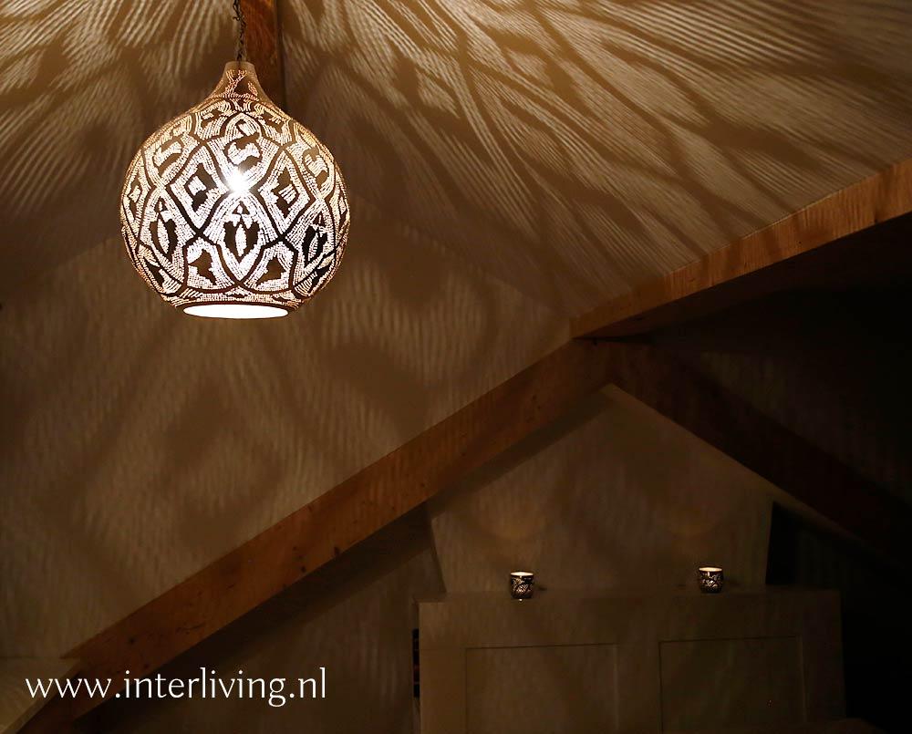 https://www.interliving.nl/wp-content/gallery/zolder-sfeer-verlichting/grote-egyptische-lamp.jpg