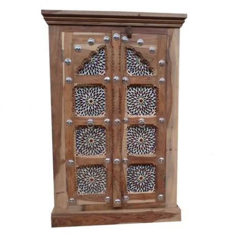 Halkast met mozaiek panelen