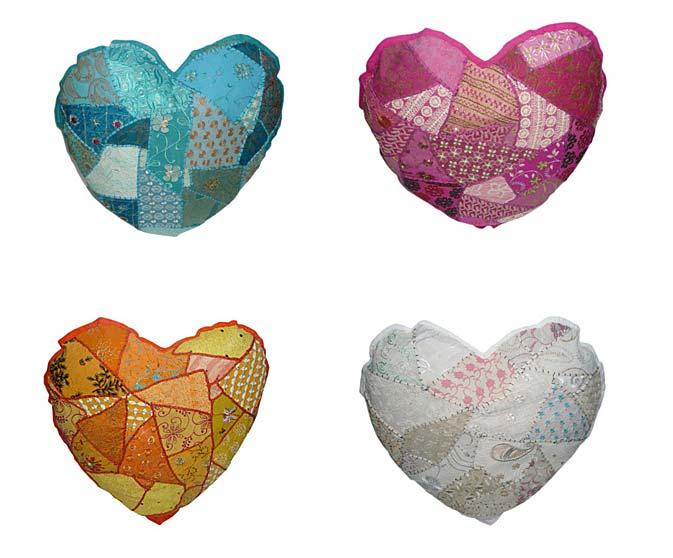 Onze mooie patchwork sierkussens krijgen we nu ook hartvormig! Ze zijn ...
