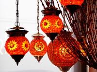 kleurrijke oranje lampen