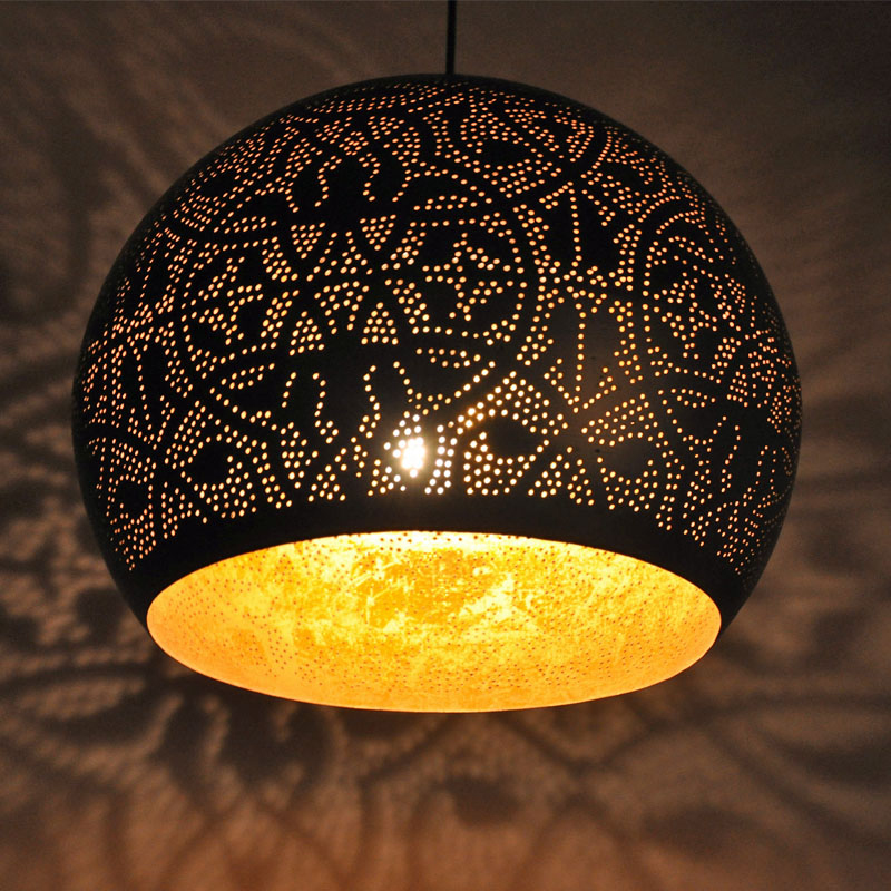Mooie grote bolvormige oosterse filigrainlamp