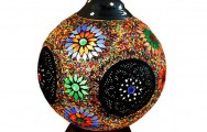 Tafellamp bewerkt ijzer en multi colour mozaïek, met een doorsnede van 25 cm