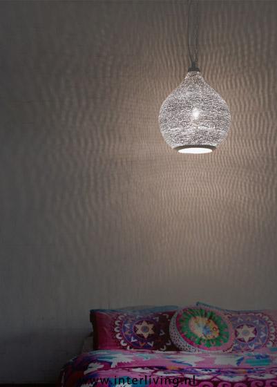 Sfeervolle handgemaakte oosterse gaatjes hanglamp van verzilverd koper