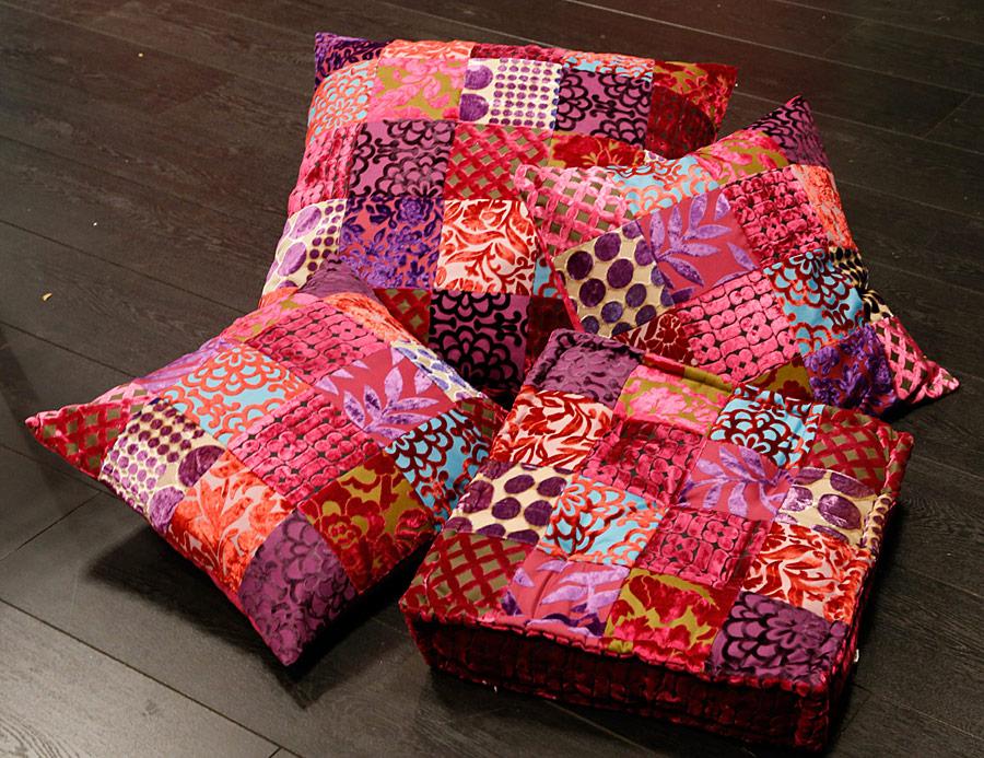 Patchwork kussens en vloerkussen met paars blauw roze tinten: Fuchsia