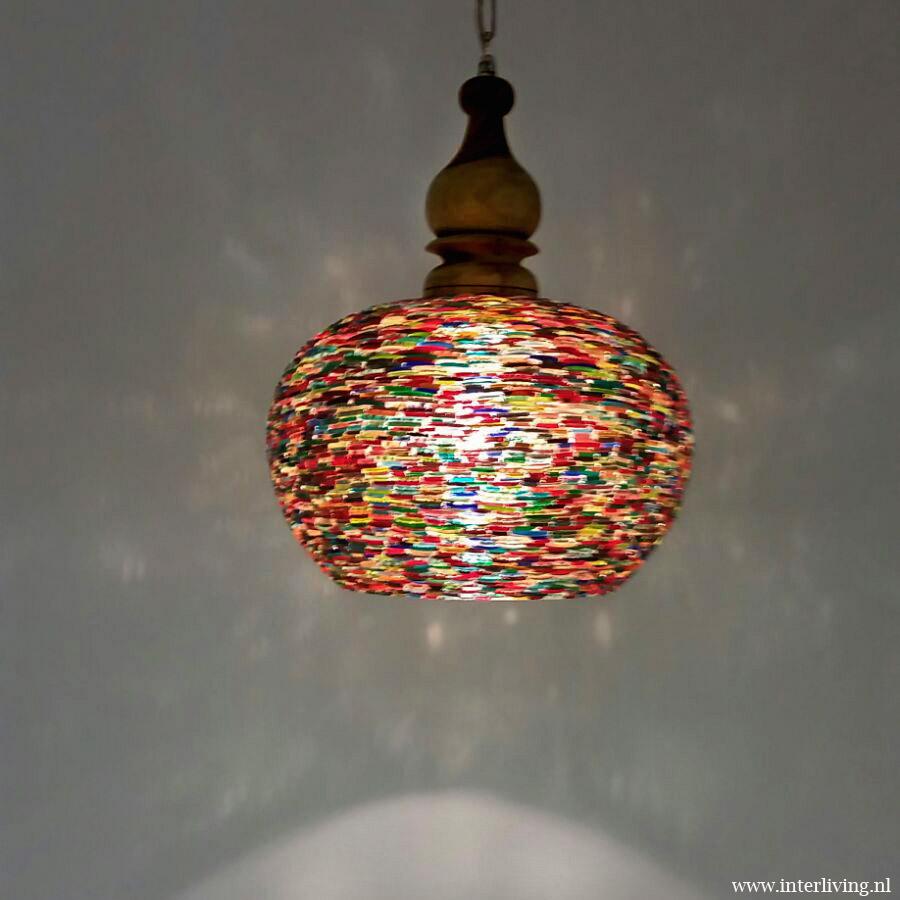 Hanglamp gekleurde armbandjes sfeerverlichting massief for Slaapkamer hanglamp
