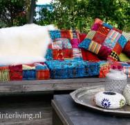 Zeer comfortabel en (fluweel)zacht kussen van verschillende stukjes kleurrijk patchwork