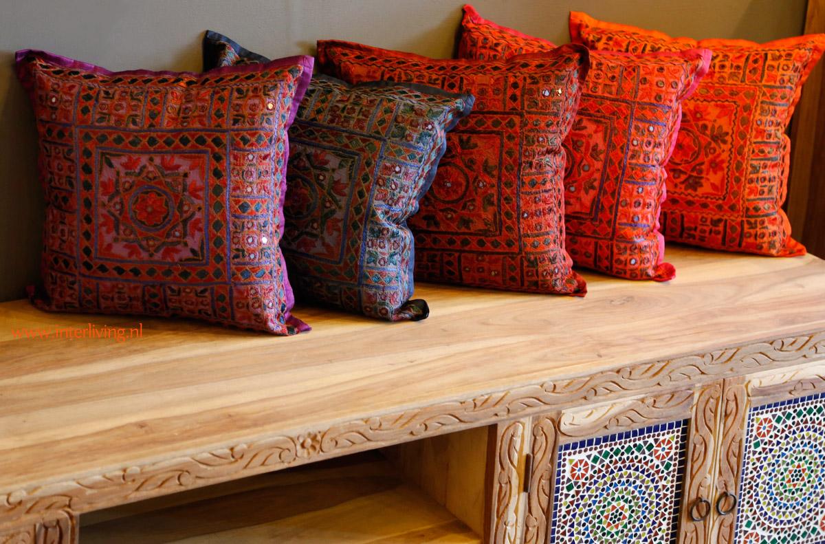 Kussen met spiegeltjes uit india handgemaakt in veel kleuren en tinten - Lounge warme kleur ...