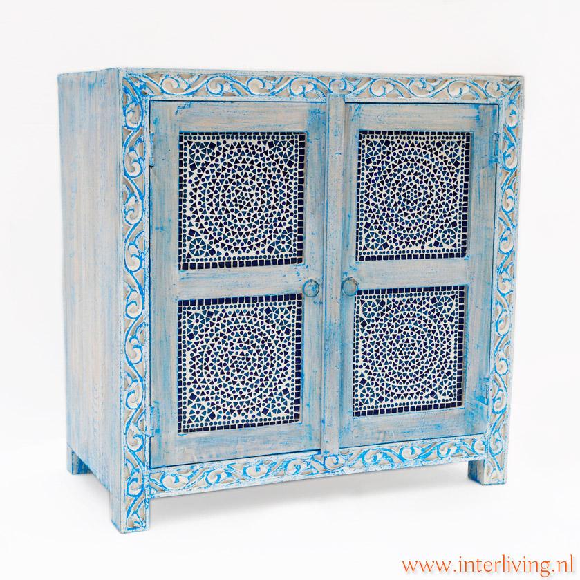 kast uit india van mangohout blauw of blue washed met glas