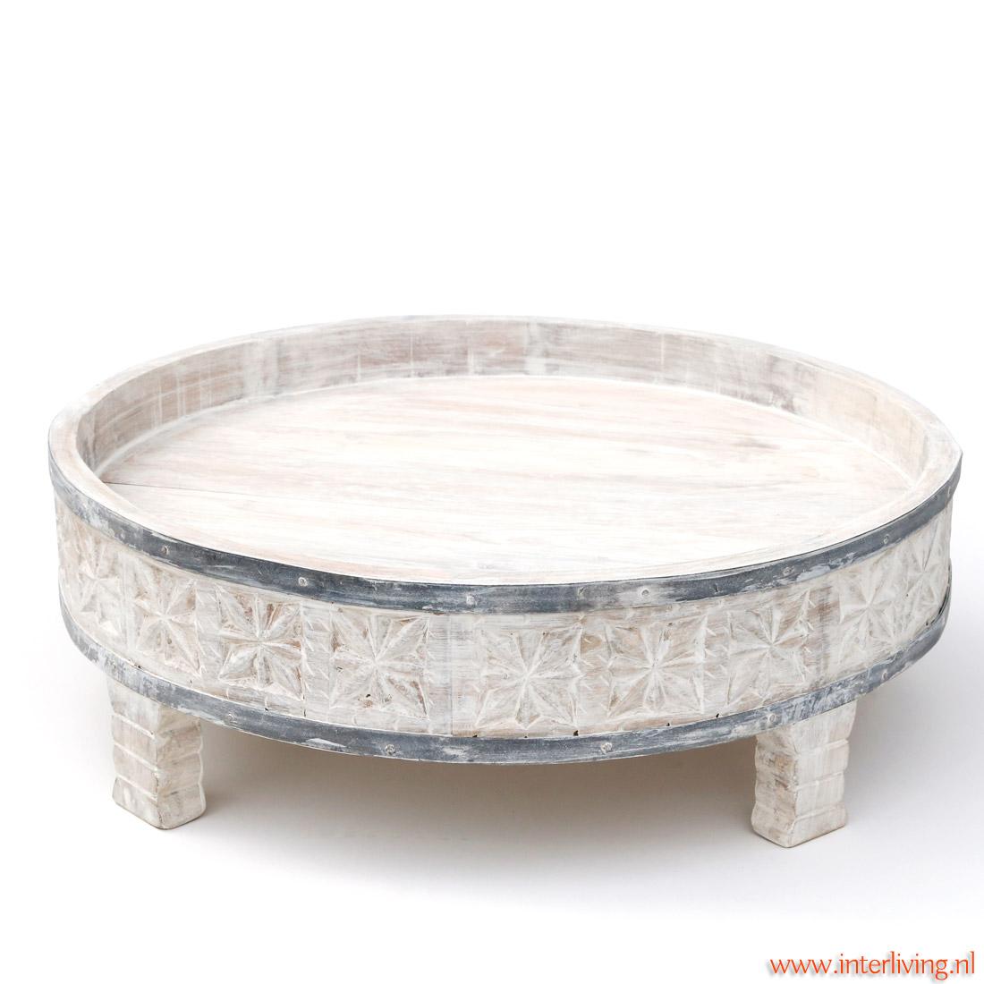 rond wit salontafeltje met oosters houtsnijwerk handgemaakt - bijzettafeltje van mangohout  uit India met bijpassend rond kussens leverbaar in diverse dessins en kleuren