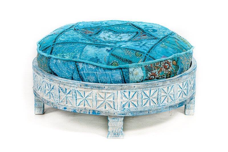 blue washed tafeltje oosters houtsnijwerk handgemaakt - van mangohout boho stijl uit India met bijpassend rond vloer kussen voor oosterse hocker, leverbaar in diverse dessins en kleuren