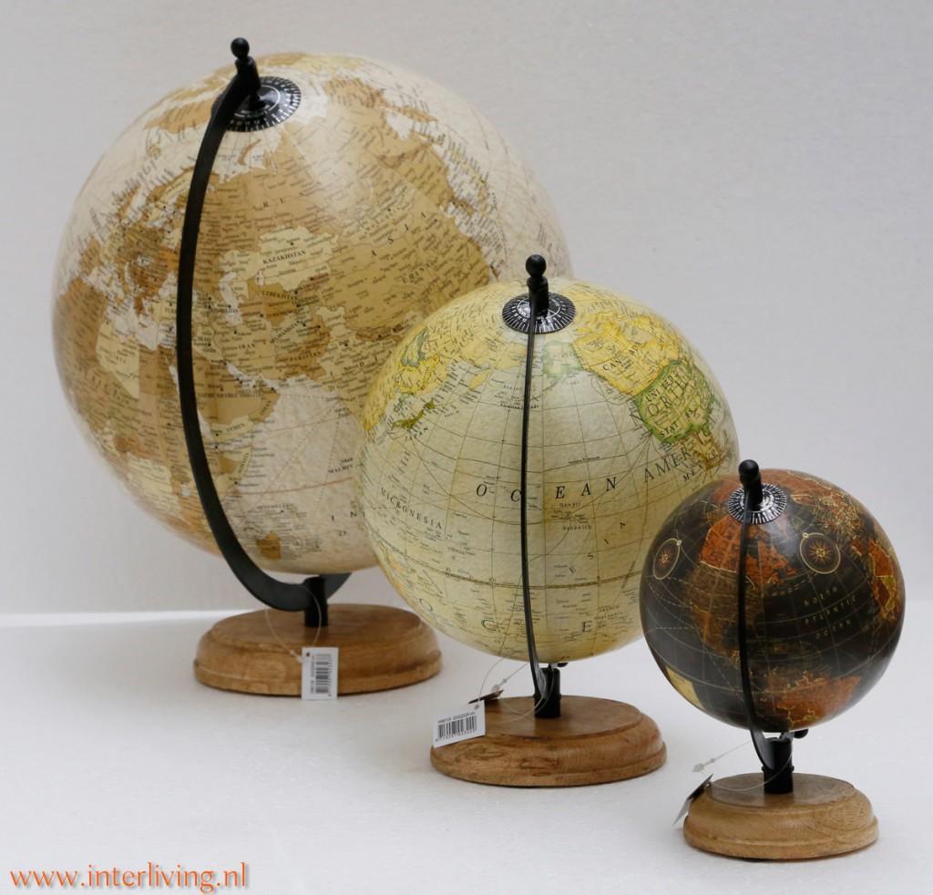 Vintage wereldbol op houten voet of antieke wereldkaart interieurtip - Huis idee ...