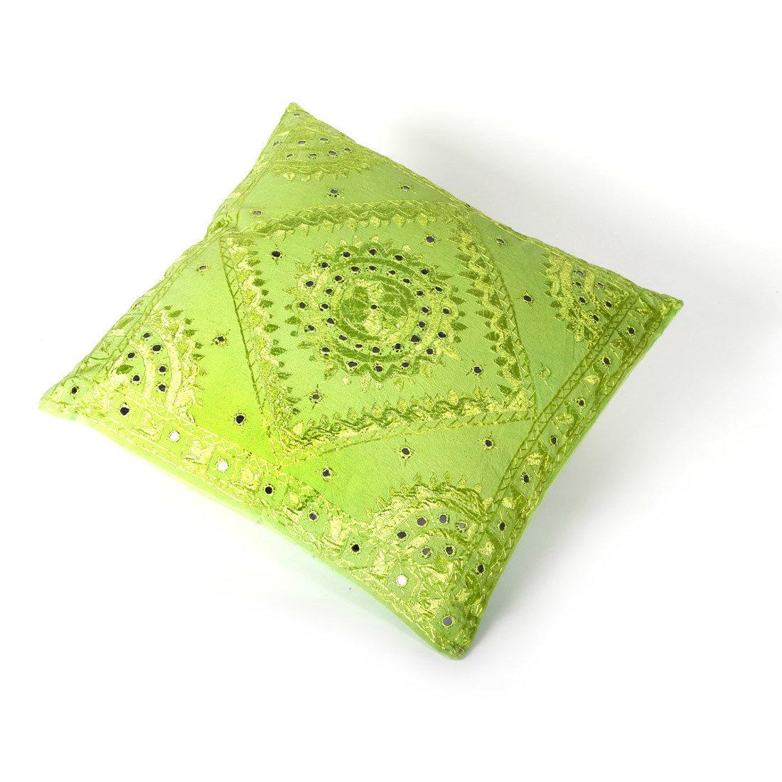 indiaas kussen - lime groen - met spiegeltjes