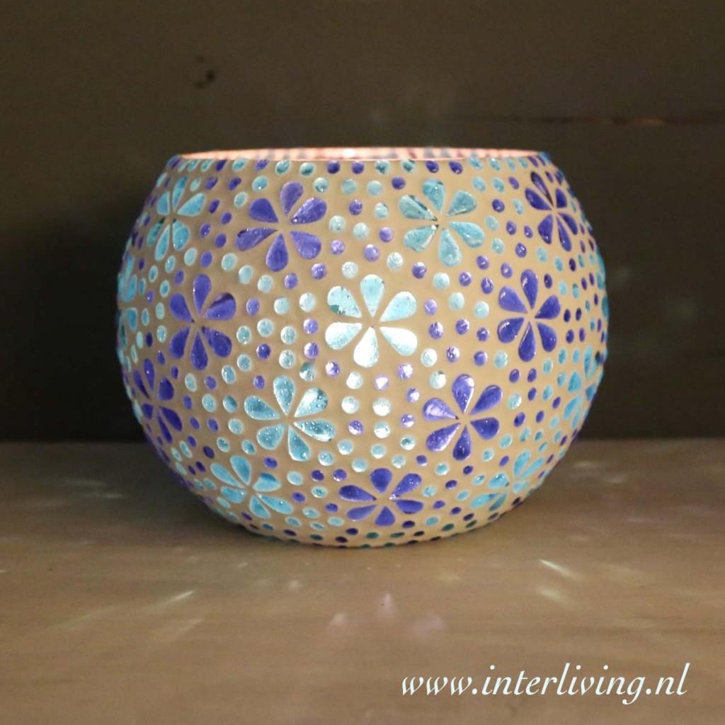 Grote theelichten van glasmozaiek met bloemen patroon ...