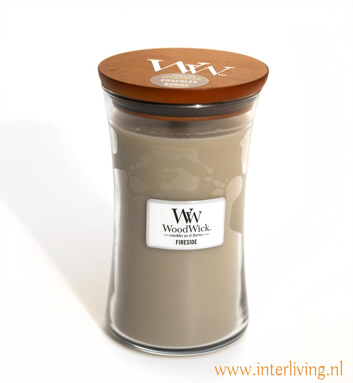 Fireside geur kaars is de warme en natuurlijke geur van amber, vetiver ( een zoete grondige geur van tropische grassoorten uit India) en musk