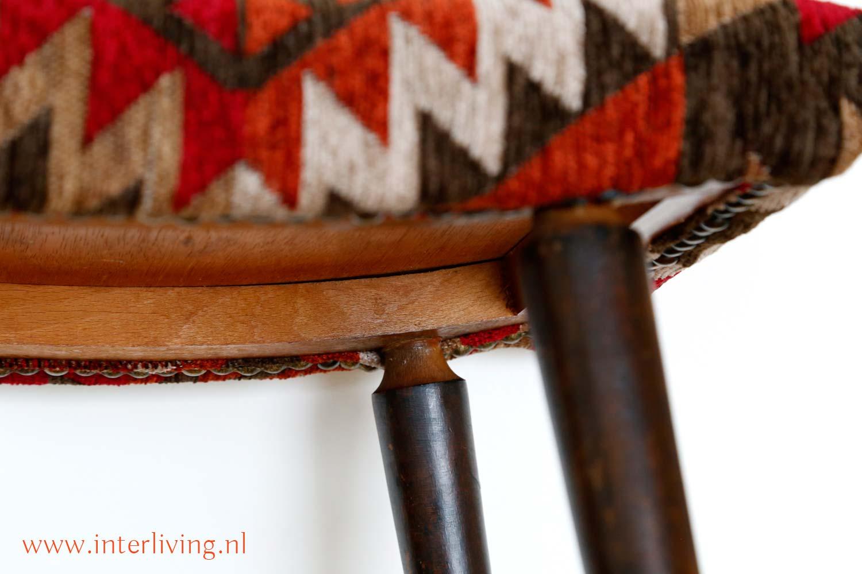 retro voetenbankje Deense meubel stijl