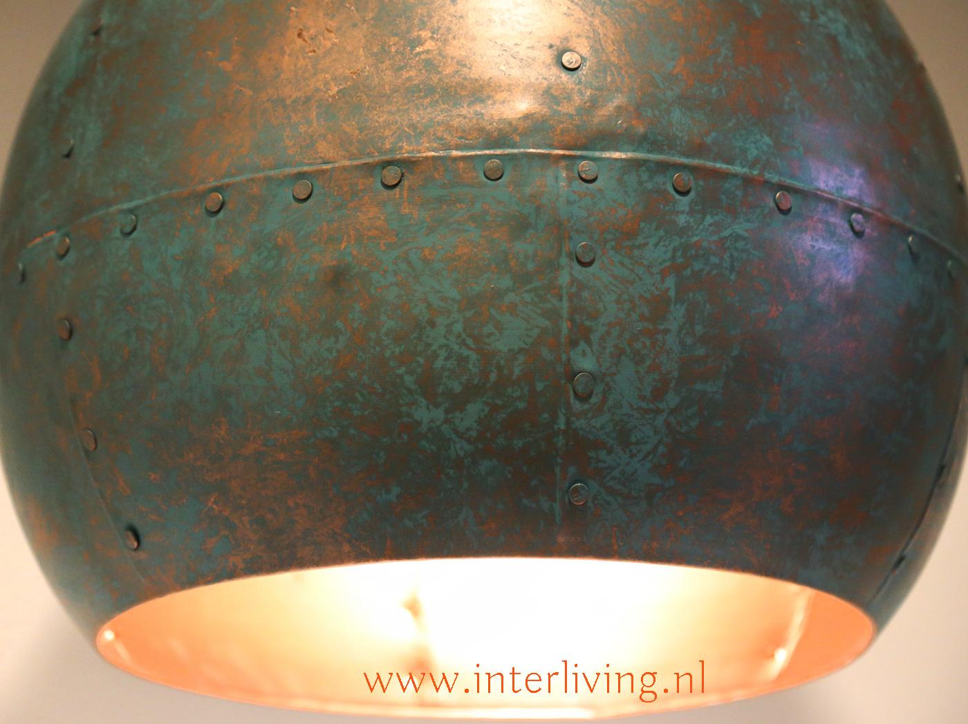 industriële hanglamp met popnagels of draadnagel staal look - interieur idee