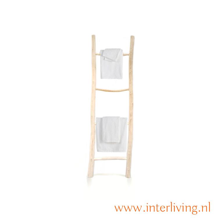badkamer trap - ladder om handdoeken ophangen