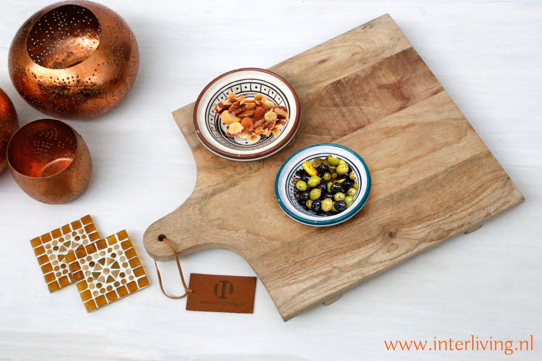presentatieplank van mangohout als handgemaakte hapjesplank