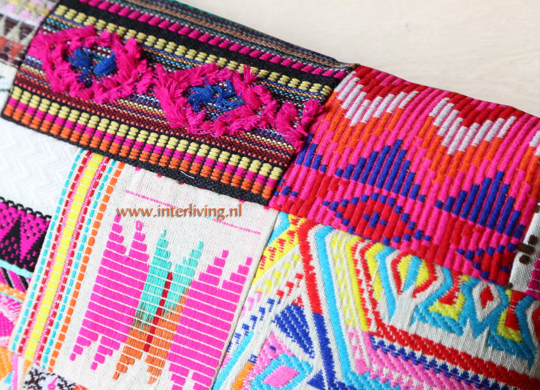 Ibiza patchwork kussen met Peruaans tribal borduurwerk - vrolijke felle zomer kleuren