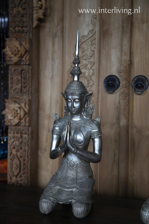 mannelijke boeddha - tempelwachter