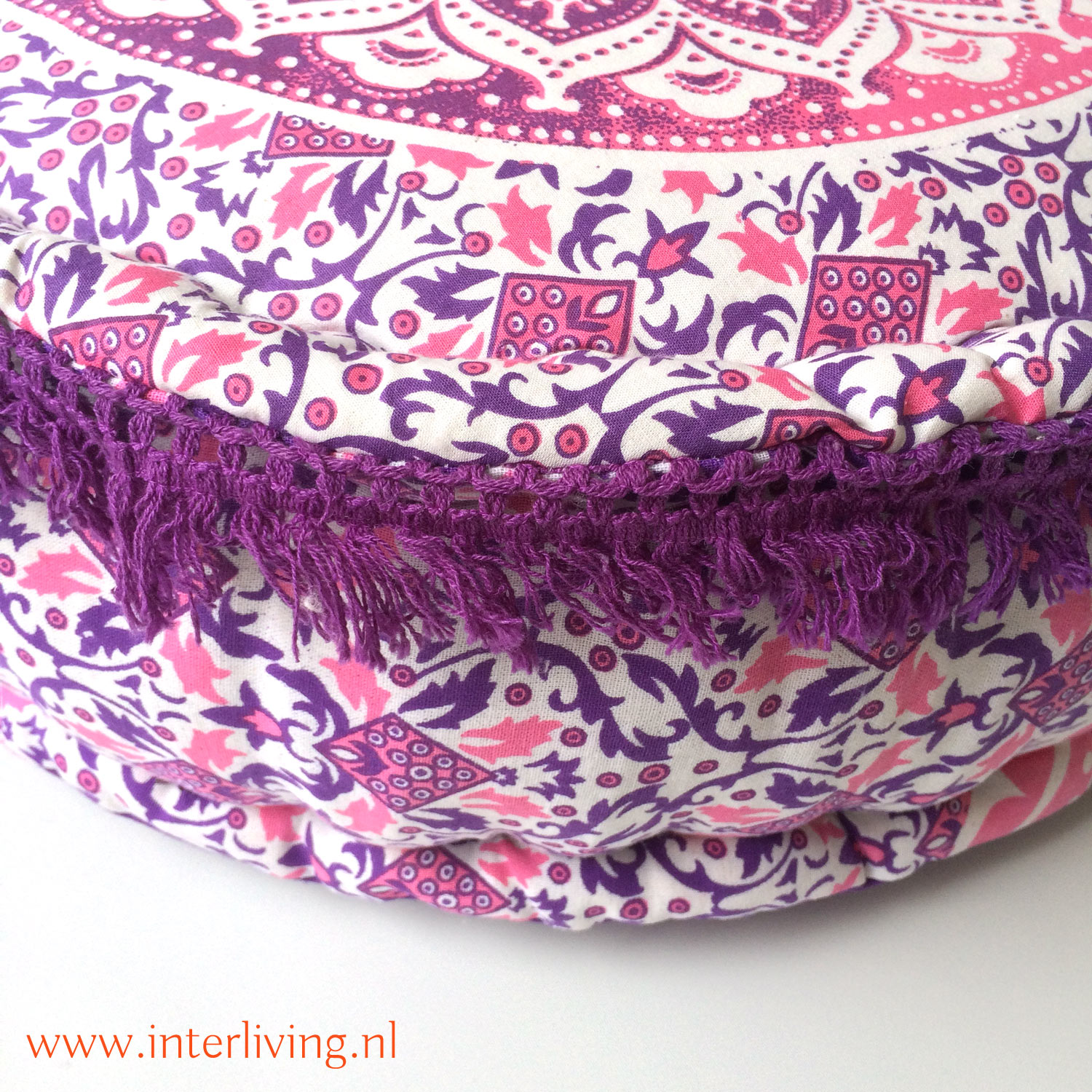 oosterse-boho-poef-rond-mandala-paars-roze-wit-rond-franje-rand