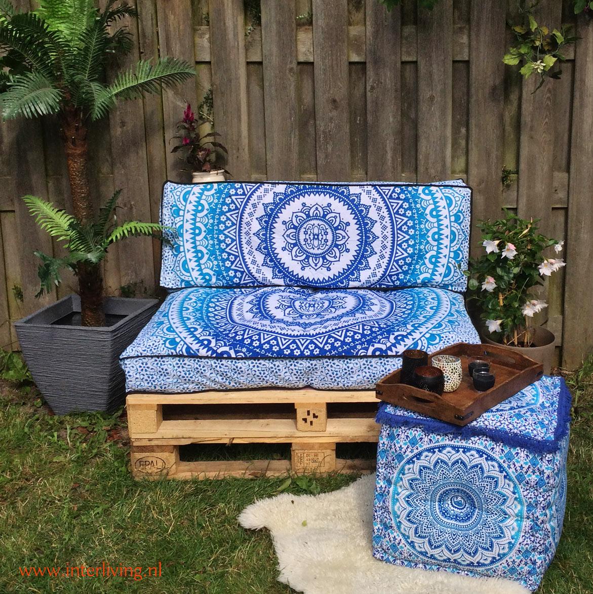 mandala kussen met Indiase patronen voor je boho of Ibiza loungekussenhoes - mooi op je palletbank van hout op je terras, patio of tuin