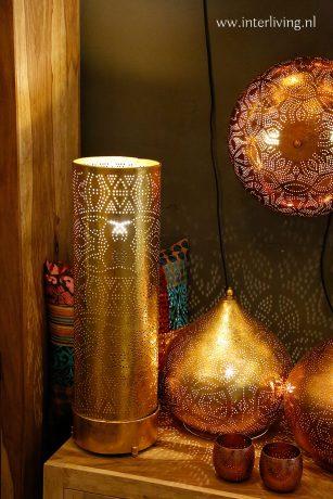 oosterse lamp op dressoir