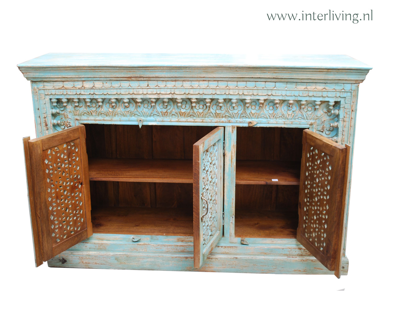 lichtblauw dressoir uit India