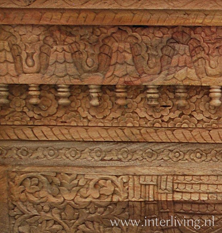 houtsnijwerk sidetable , wandtafel India