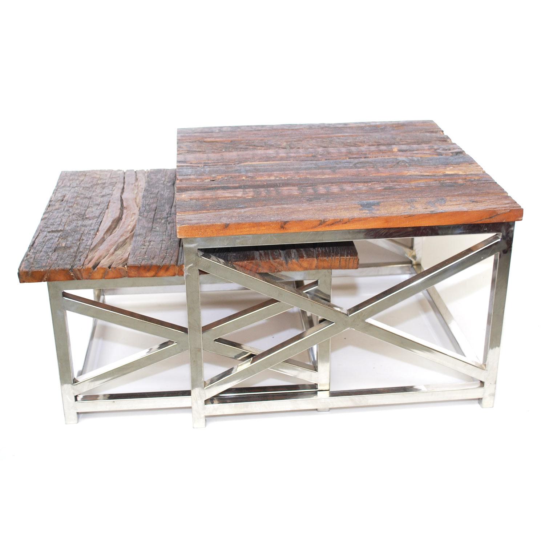 set vierkante oud houten bijzettafeltjes of salontafels uit India met zilverkleurig onderstel