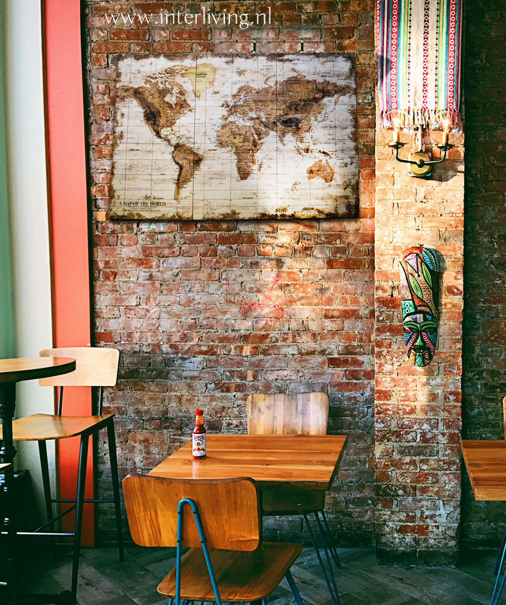 wereldkaart vintage op stenen muur