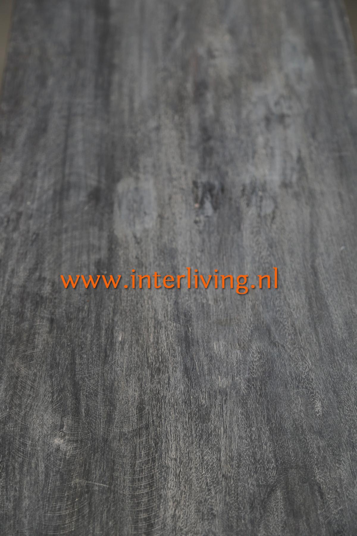 antiek look vergrijsd hout in grey-wash uitvoering: bovenblad dressoir/ tv kasthouten bijzettafeltjes - inschuifbaar om ruimte te besparen in huis