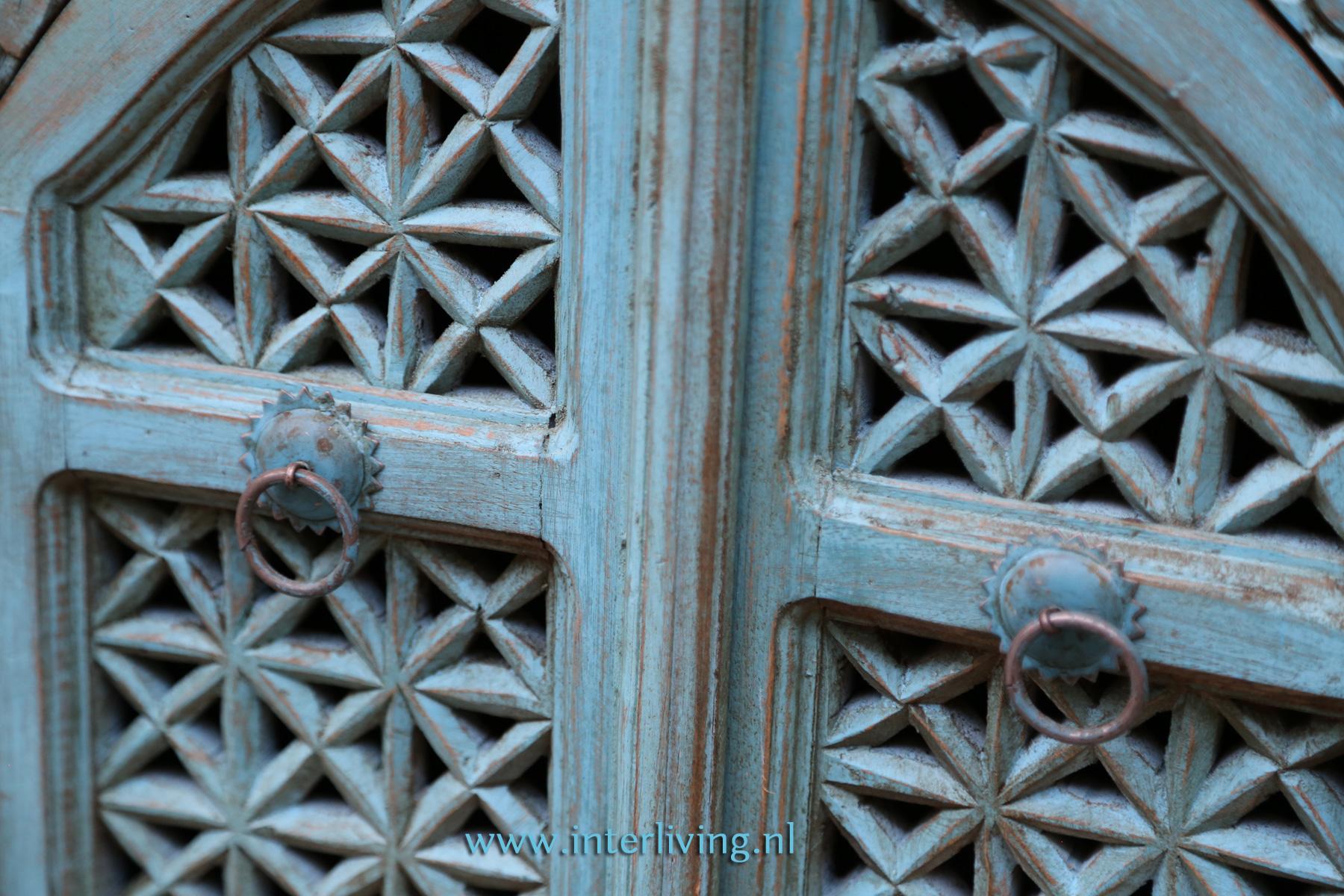 oud blauw hout met houtsnijwerk - kast styling interieur