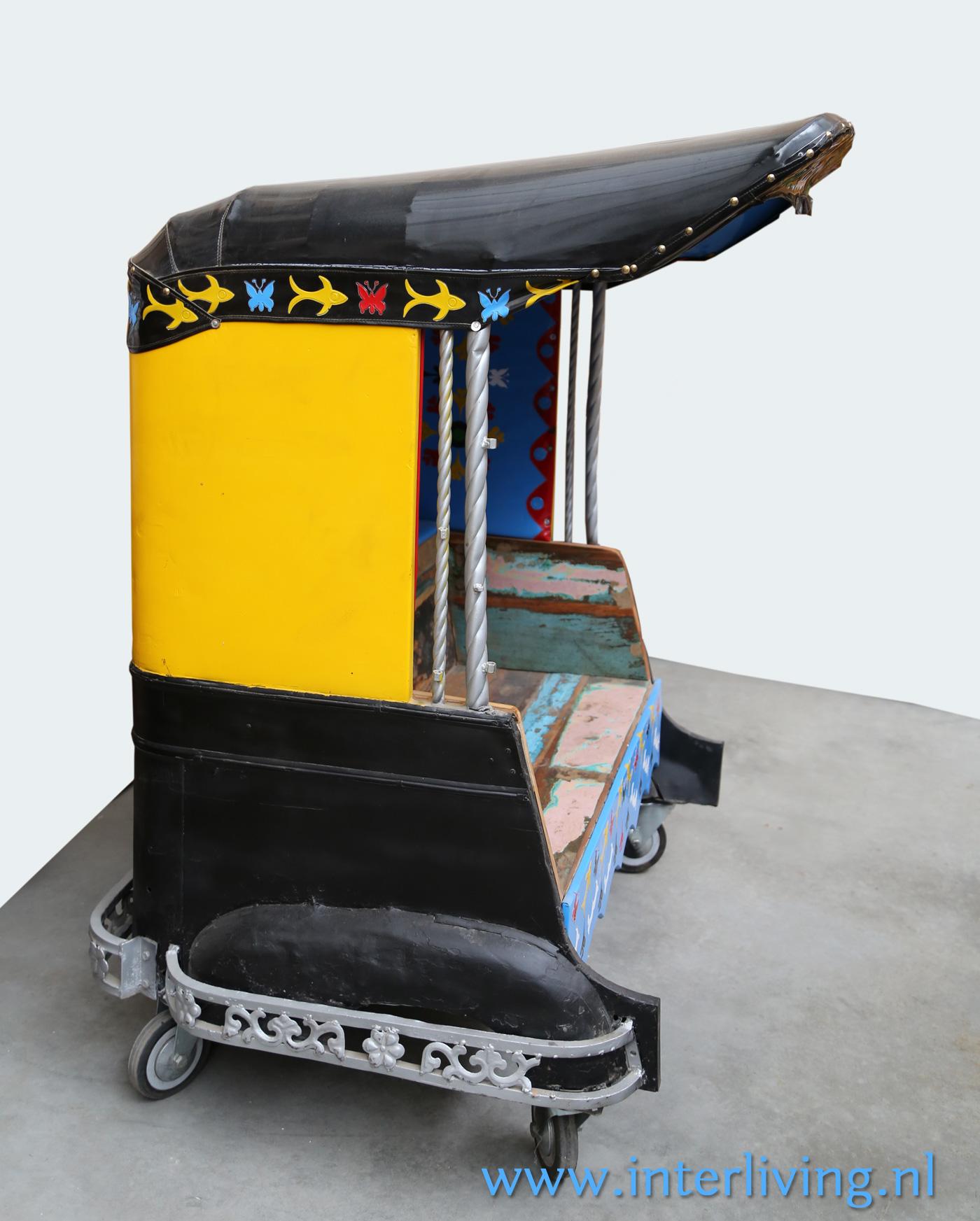 werlds wonen -riksja - vrolijke fietstaxi - uniek interieur