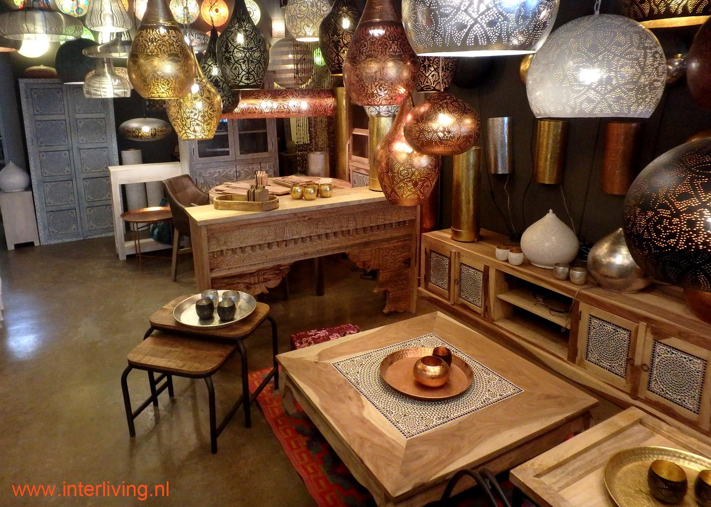 India kast - styling interieur - landelijke woonstijl met oosters accent - styling tips ronde eettafel voor je interieur