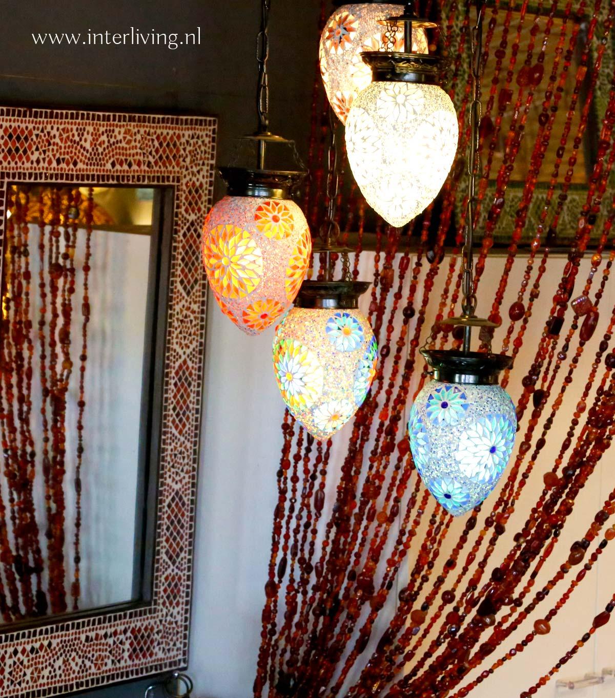 kralengordijn met mozaieklampen