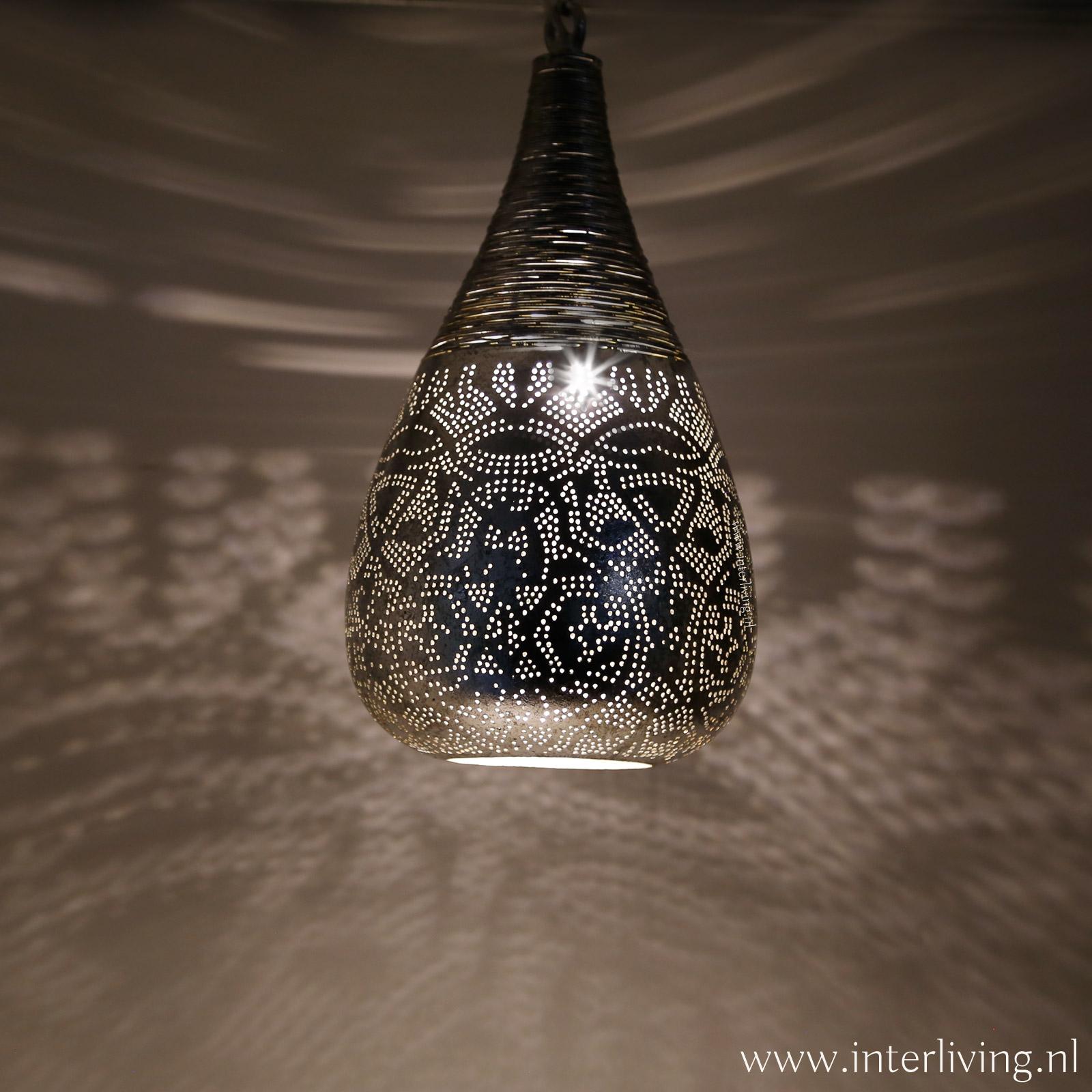 zilver kleur hanglamp met geperforeerde gaatjespatronen - 1001nacht oosterse filigrain lamp