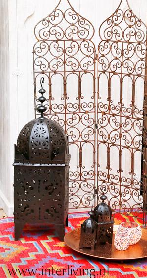 uniek groot windlicht van metaal - oosterse styling - Marokkaanse woonstijl