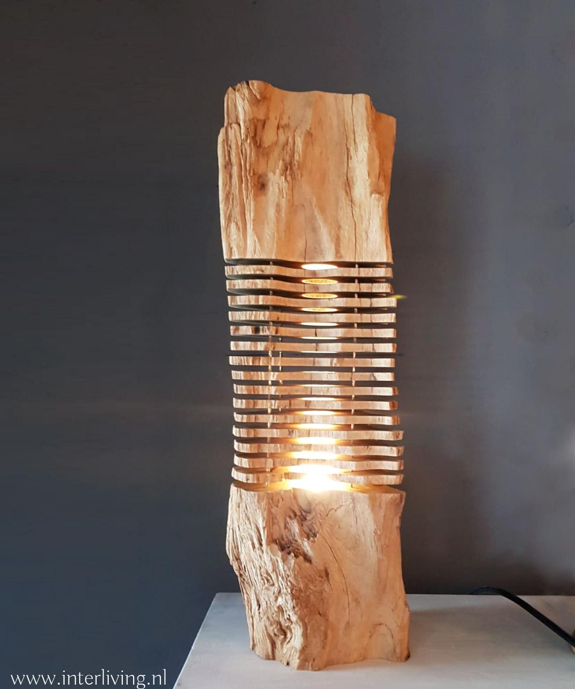 naturel oud teak hout - landelijke stijl tafellamp - stoer sober en chique woontrend