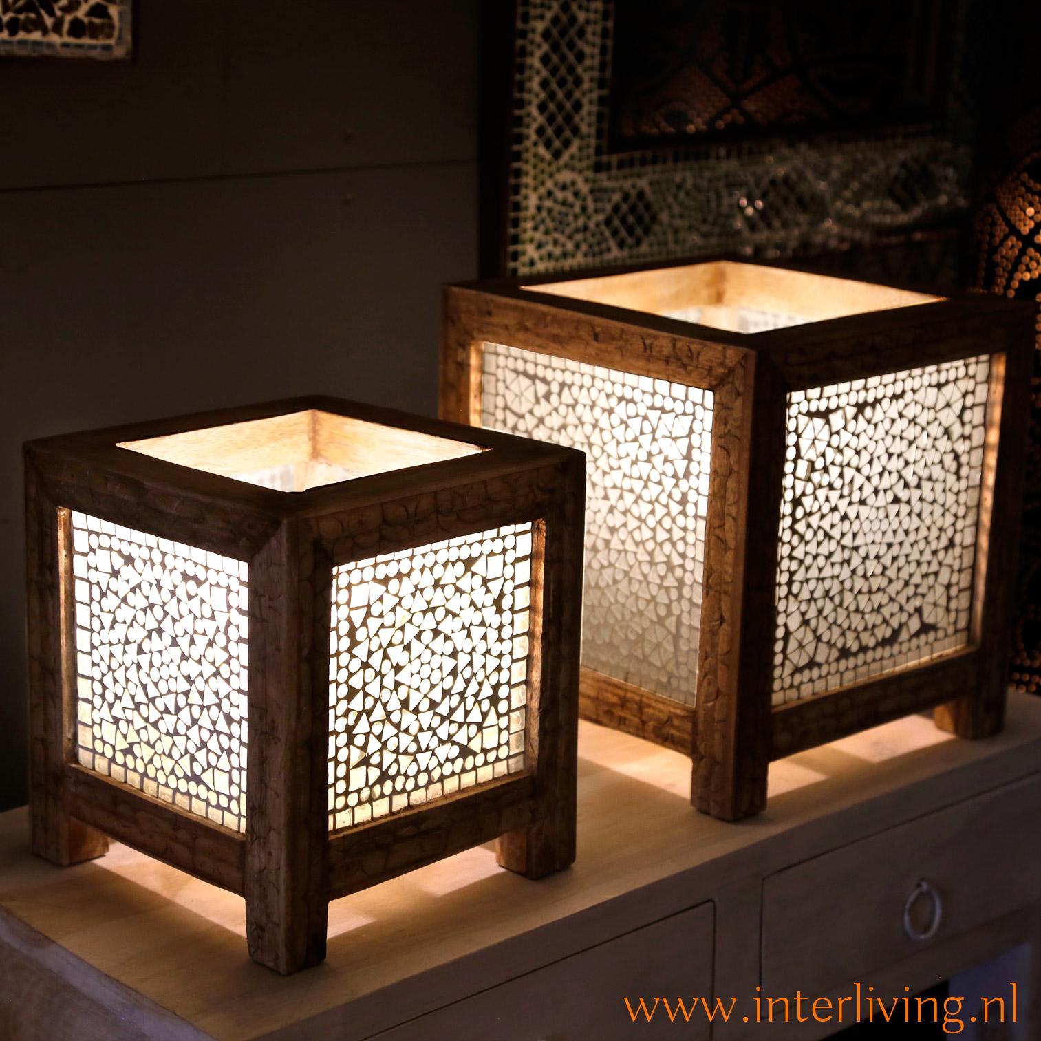 oosterse tafellamp - boho stijl - wit met naturel hout - styling voor Ibiza huis