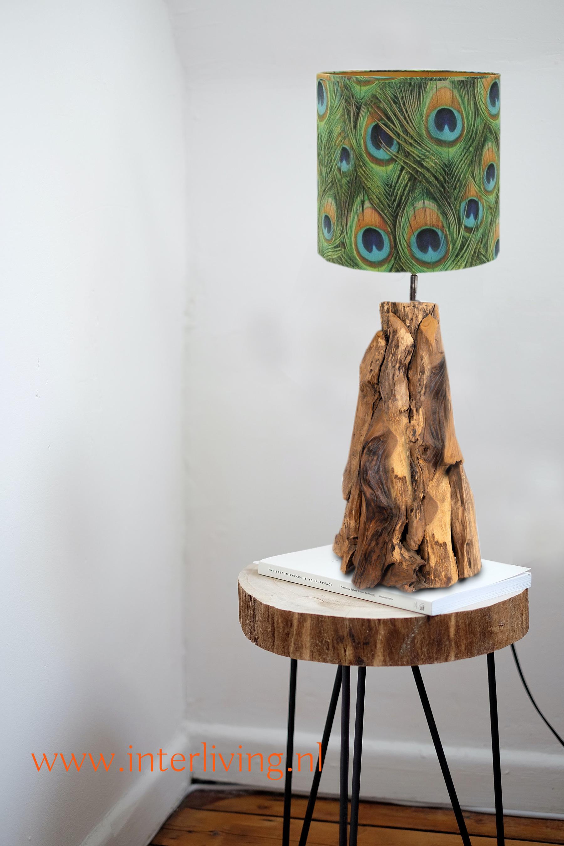 Lampenvoet teakhout - ruig hout nordic scandi bo design - lampenkap velvet peacock afbeelding