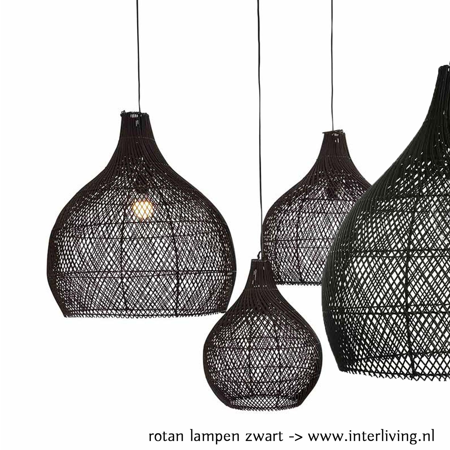 Zwarte grote rotan hanglamp van duurzaam rotanpalm - handgevlochten uit Bali